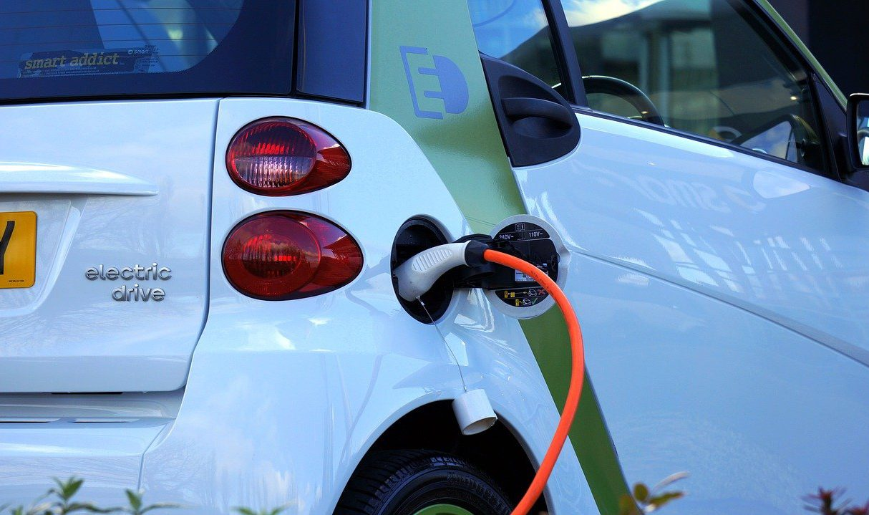 De voordelen van elektrisch autorijden