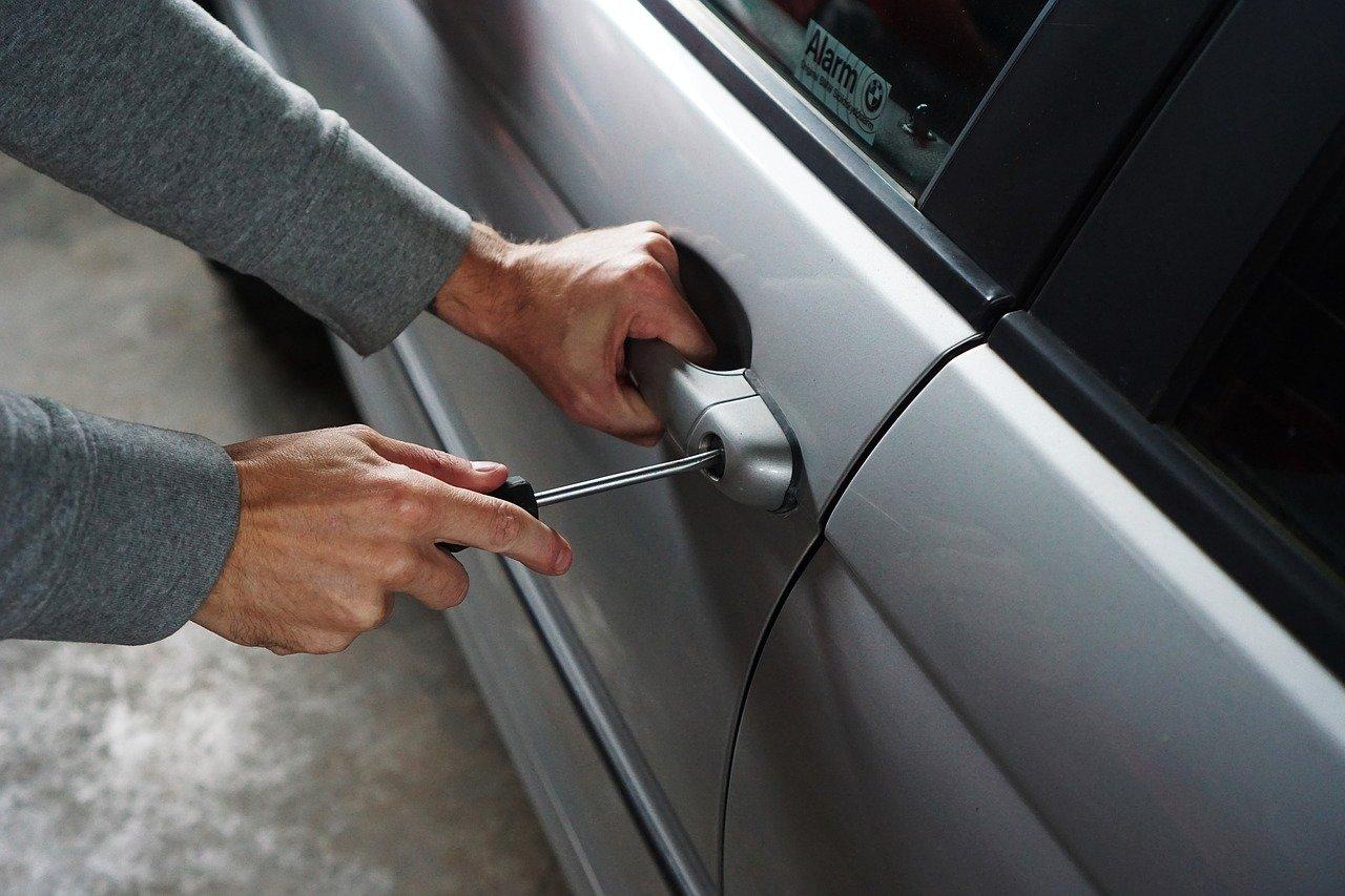 Je auto laten openen door een slotenmaker