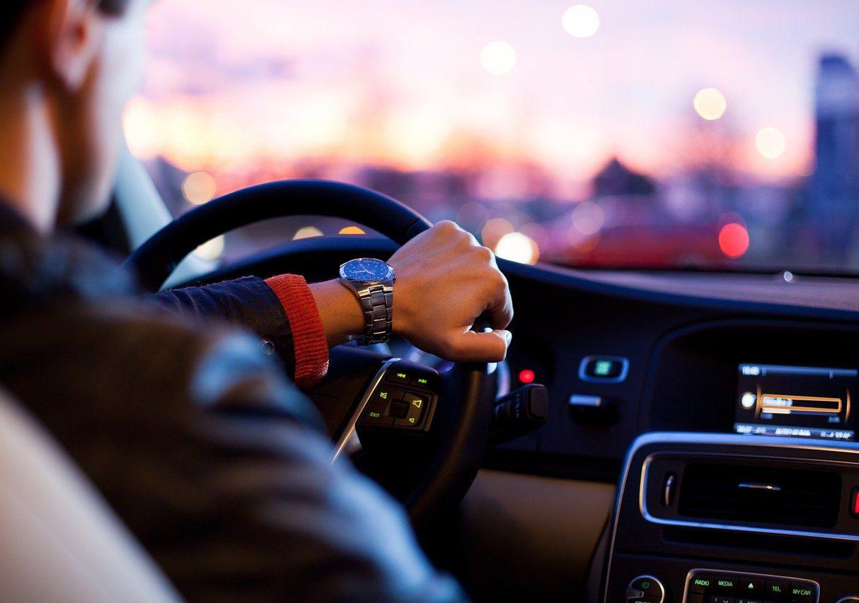 Hoe kun je met een klein budget toch in een mooie auto rijden?